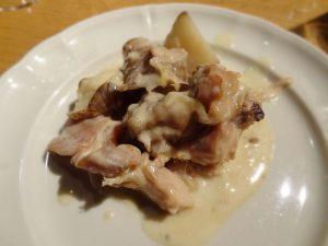 ピエモンテ風うさぎと菊芋の煮込み