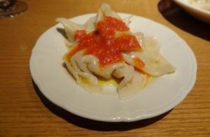 水餃子風 トマト、オリーブオイル、パルメザンのソースで