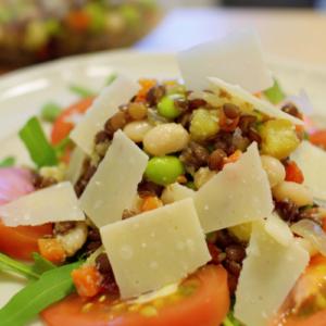いろいろな豆とさつまいものサラダ パルメザン風味
